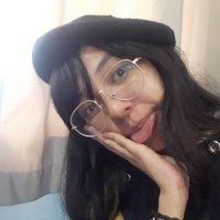Dear MARIAH, count me in minsan hate account ni chad gilbert, madalas fan account ng paramore 😬😬